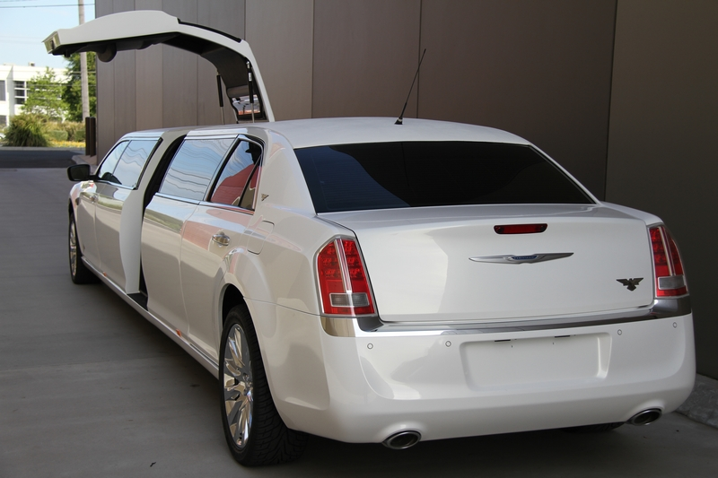 Gallery Crown Limousines Crysler Wedding Cars Amp Limos