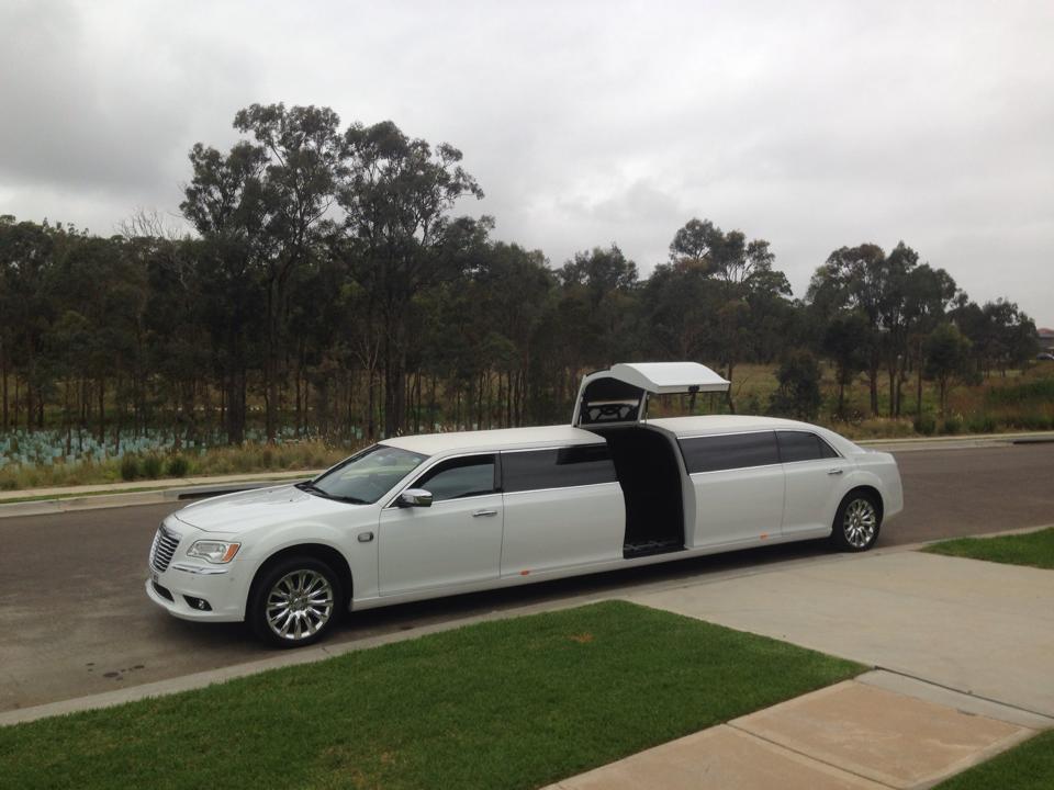 Super Stretch Chrysler Limousine - 12 Seater