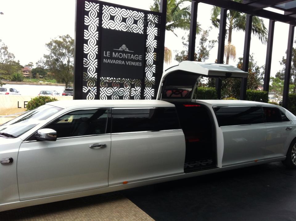 Chrysler 300c Super Stretch Limousine