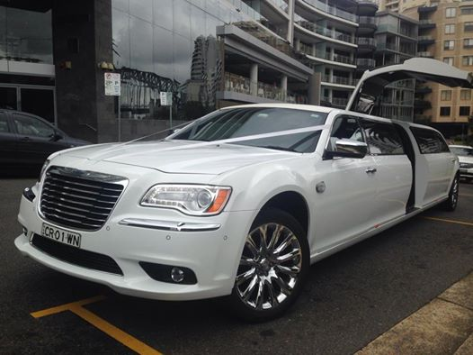 2. Chrysler 300c Super Stretch Limousine